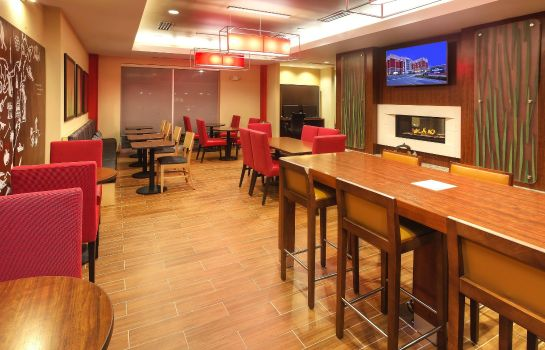 Restaurant TownePlace Suites Franklin Cool Springs