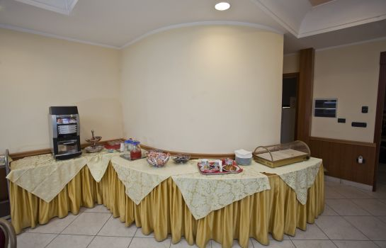 Breakfast buffet Smeraldo Hotel