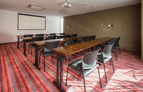 Conference room Hampton by Hilton Cali Colombia