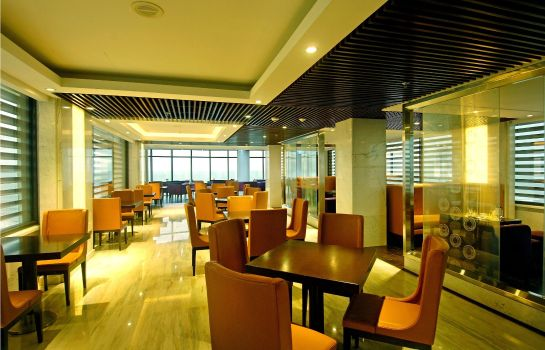 Hotel-Bar Holiday Beach Danang Hotel & Spa