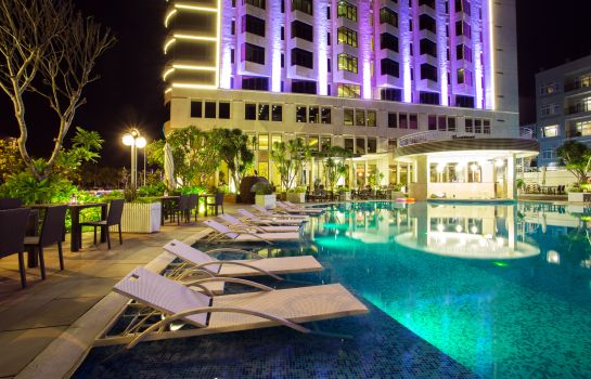 Garten Holiday Beach Danang Hotel & Spa