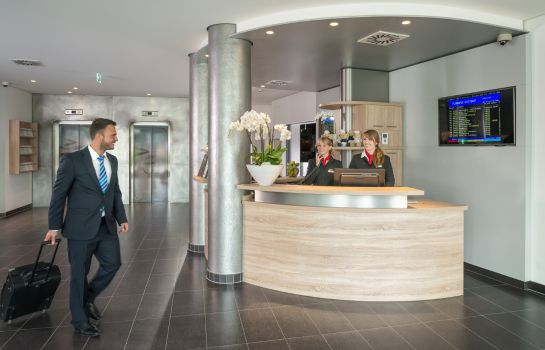 Hotelhalle Essential by Dorint Stuttgart Airport