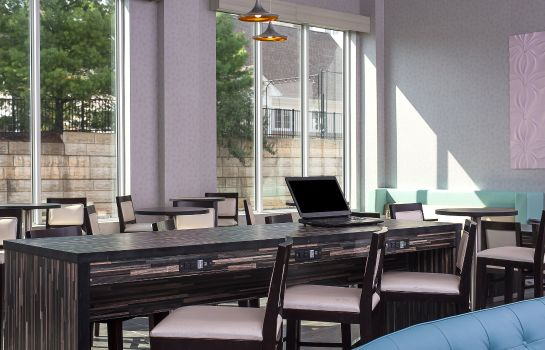 Restaurant Holiday Inn Express & Suites NORWOOD-BOSTON AREA