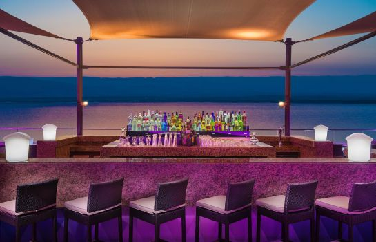 Bar hotelowy Hilton Dead Sea Resort - Spa