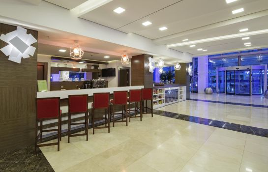 Bar hotelowy Hampton by Hilton Gaziantep