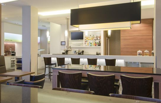 Bar de l'hôtel Hampton by Hilton Nuremberg City Center Bavaria