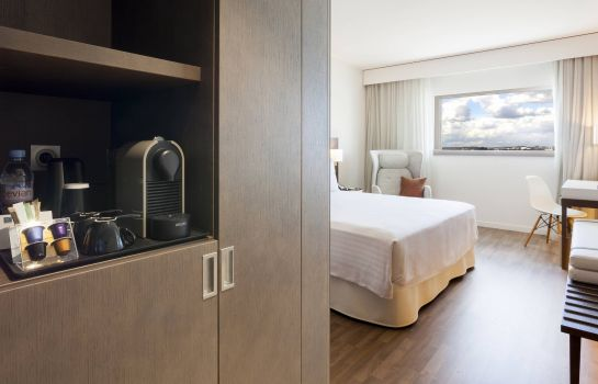 Zimmer AC Hotel Paris Le Bourget Airport