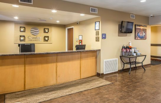 Hotelhalle Comfort Inn & Suites Page