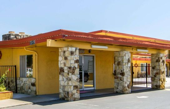 Vista exterior Econo Lodge Fairfield