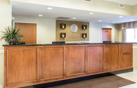 Hall Comfort Inn & Suites Orangeburg