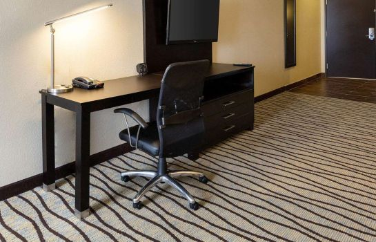 Suite Comfort Suites near Westchase on Beltway 8