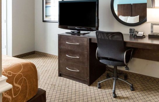 Suite Comfort Suites at Katy Mills