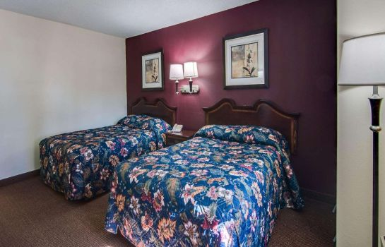 Suite Econo Lodge Glade Springs I-81
