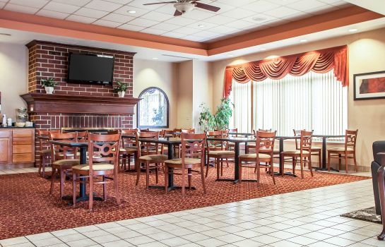 Restaurant Quality Suites Milwaukee Airport
