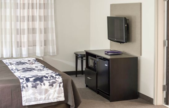 Chambre Sleep Inn & Suites and Indoor Water Park