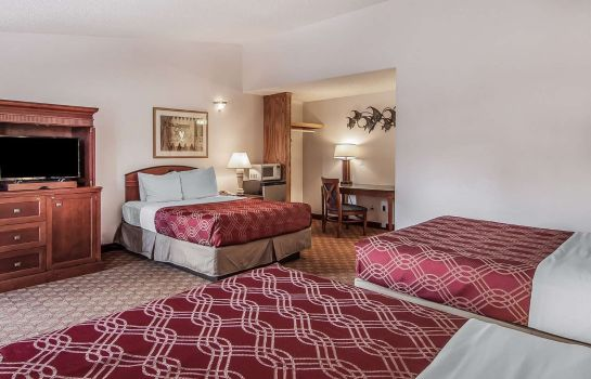 Suite Econo Lodge Inn & Suites Madras Chateau Inn