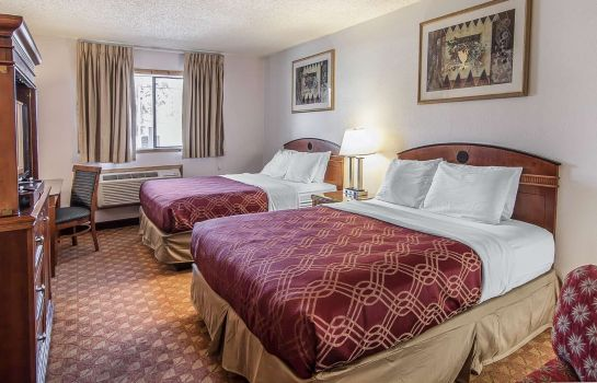 Room Econo Lodge Inn & Suites Madras Chateau Inn