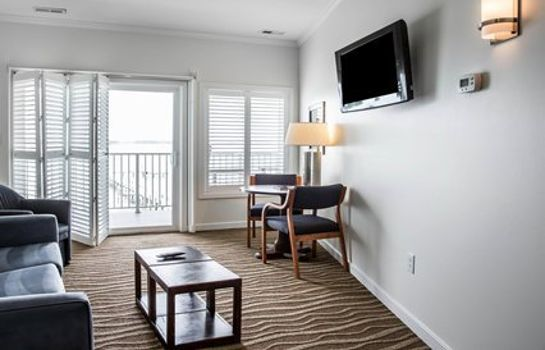 Suite an Ascend Hotel Collection Member Island Inn & Suites