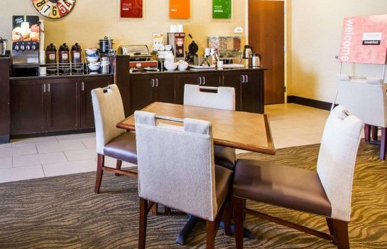 Restaurante Comfort Inn & Suites Fort Campbell