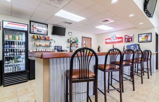 Hotel bar RODEWAY INN AND SUITES HOISINGTON RODEWAY INN AND SUITES HOISINGTON