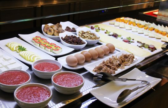 Breakfast buffet Urban Dream Granada