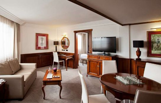 Suite The Level at Melia White House