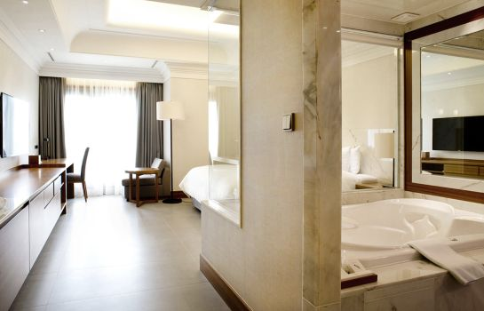Double room (superior) Pine Grove Hotel