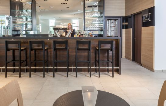 Hotel bar Star Inn Premium Domagkstrasse by Quality