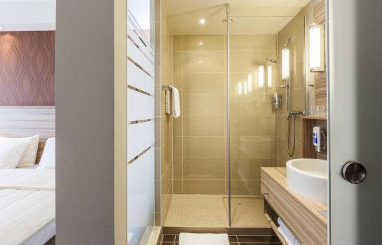 Bathroom Star Inn Premium Domagkstrasse by Quality