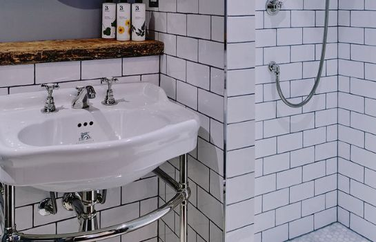 Bagno in camera Artist Residence London