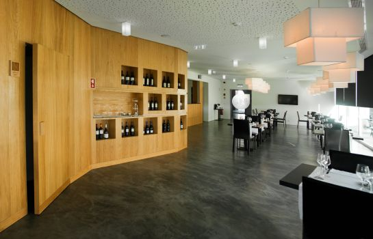 Restaurant Design & Wine Hotel