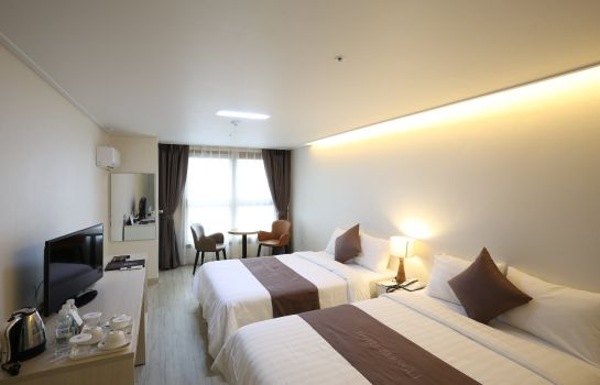 Single room (standard) BENIKEA PREMIER HOTEL BERNOUI