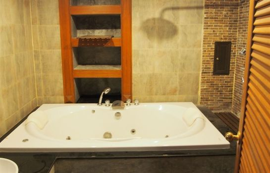 Whirlpool Renoir Boutique Hotel