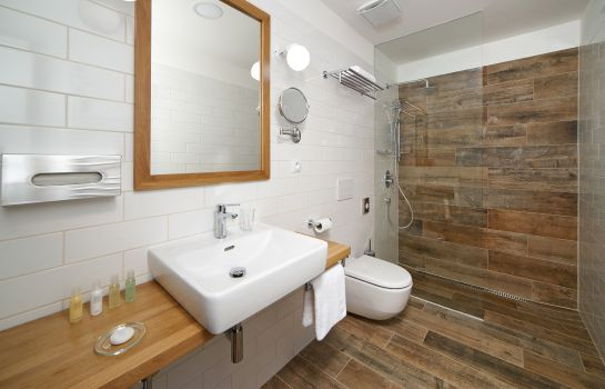 Cuarto de baño Wellness Hotel & Golf Resort Cihelny