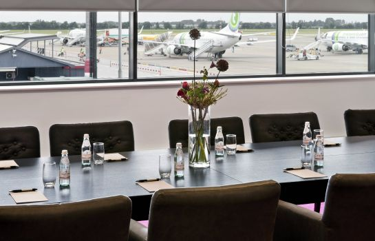 Sala de reuniones Worldhotel Wings Rotterdam The Hague Airport