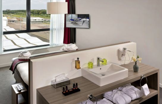 Habitación Worldhotel Wings Rotterdam The Hague Airport