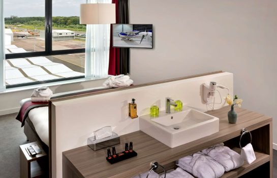 Zimmer Wings Hotel Rotterdam The Hague Airport