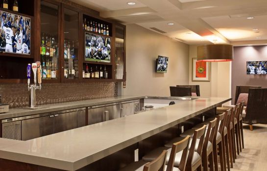 Bar del hotel Hilton Garden Inn Irvine-Orange County Airport