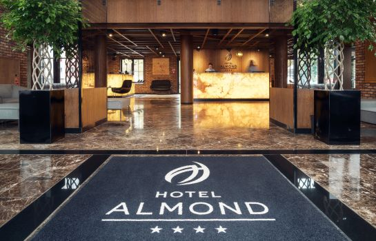 Empfang Almond Business & SPA