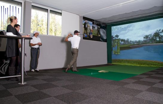 Information OPTION GOLF | Indoor Golf Lounge Bludenz