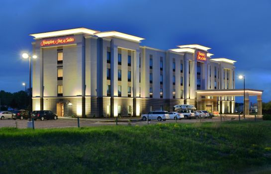 Exterior view Hampton Inn - Suites Chippewa Falls