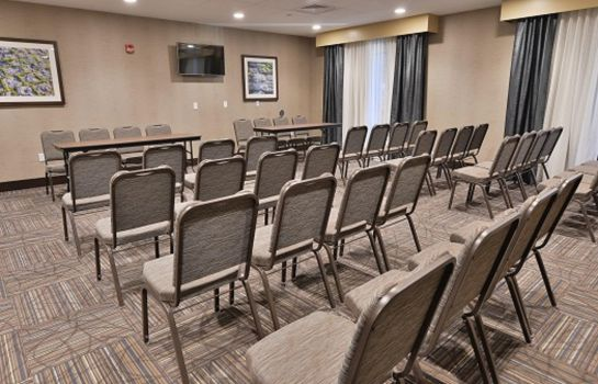 Conference room Hampton Inn - Suites Chippewa Falls
