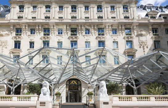 Exterior view The Peninsula Paris