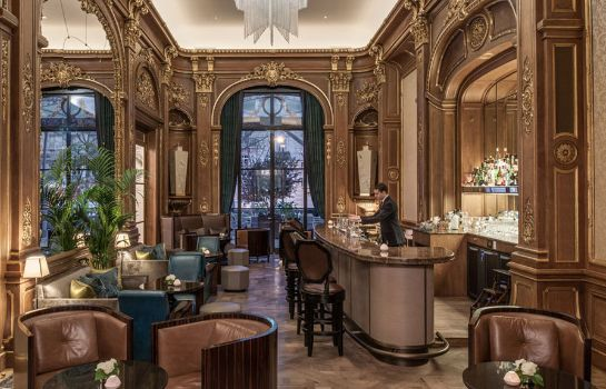 Hotel bar The Peninsula Paris