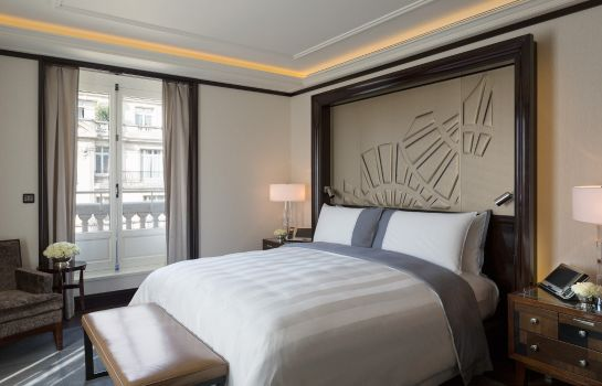 Single room (standard) The Peninsula Paris
