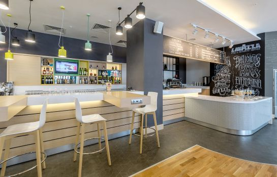 Hotel bar Holiday Inn UFA