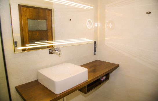 Bagno in camera Frieden Boutique Hotel