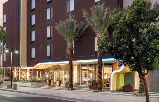 Vista exterior SpringHill Suites Los Angeles Burbank/Downtown