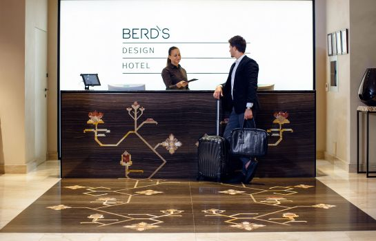 Recepcja Berds Design Hotel