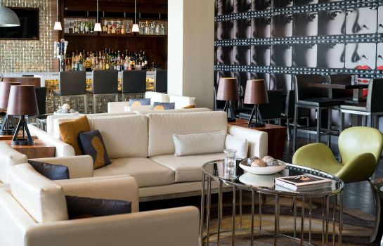 Hotel bar SpringHill Suites Los Angeles Burbank/Downtown